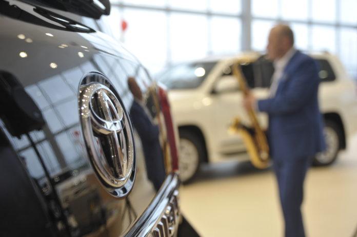 Миниатюра для: Toyota готова вернуть деньги клиентам, пострадавшим от деятельности красноярского дилера