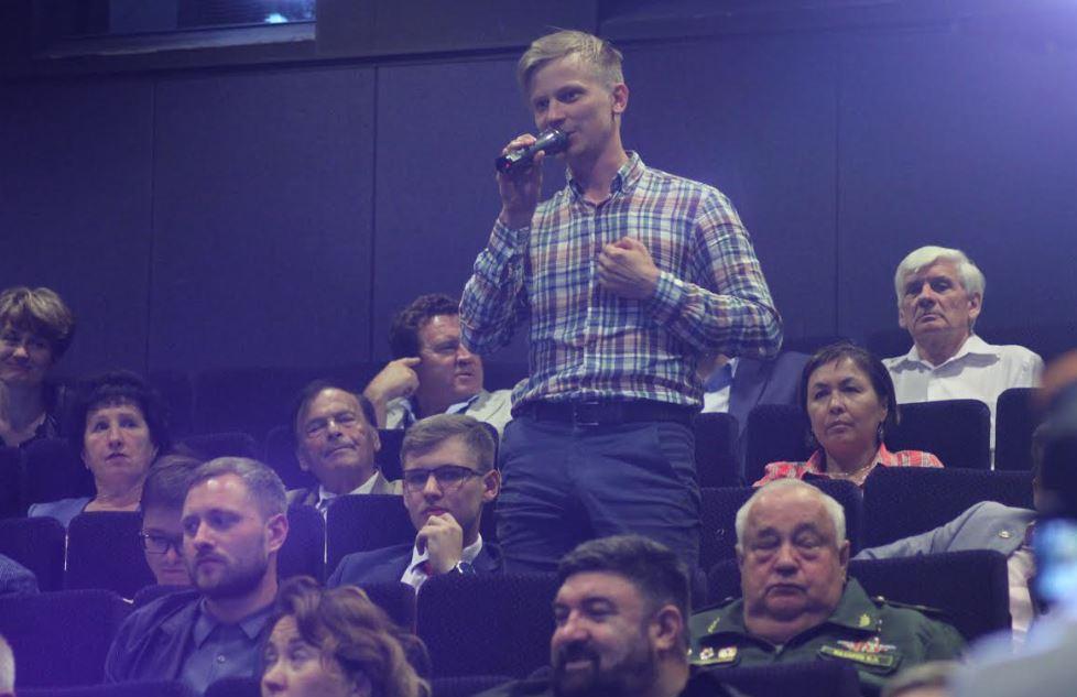 Область доверия: Андрей Травников встретился с доверенными лицами - Фото