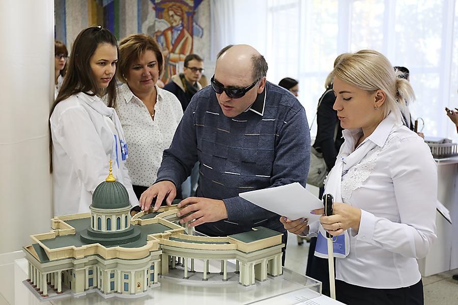 «Зримый Петербург» в Новосибирске