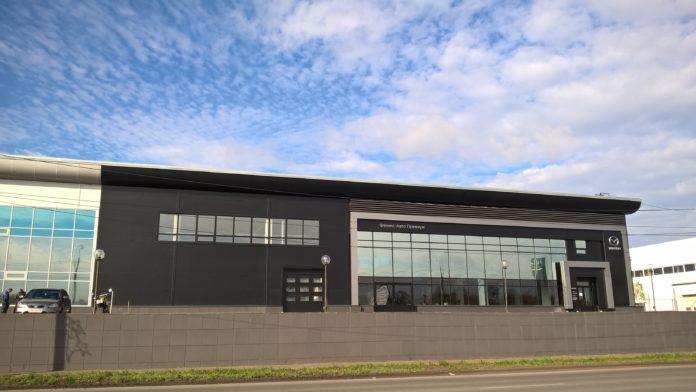 Миниатюра для: В Сибири открывается первый полнофункциональный дилерский центр Mazda в новом для марки формате