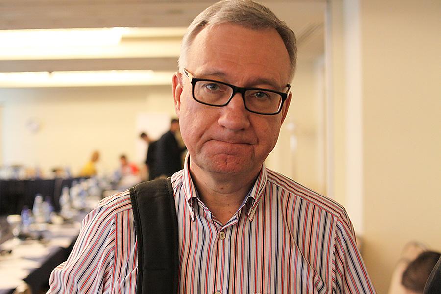 """Андрей Захаров, редактор журнала  """"Неприкосновенный запас: Дебаты о политике и культуре"""", модератор форума"""
