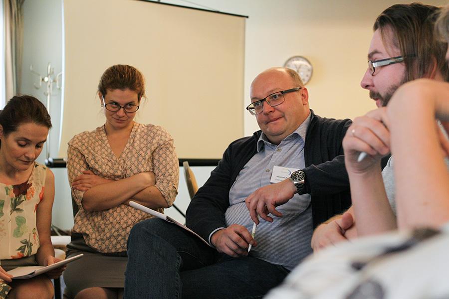 Николай Лыков (в центре), главный редактор ИА «Взгляд-инфо»  (Саратов)