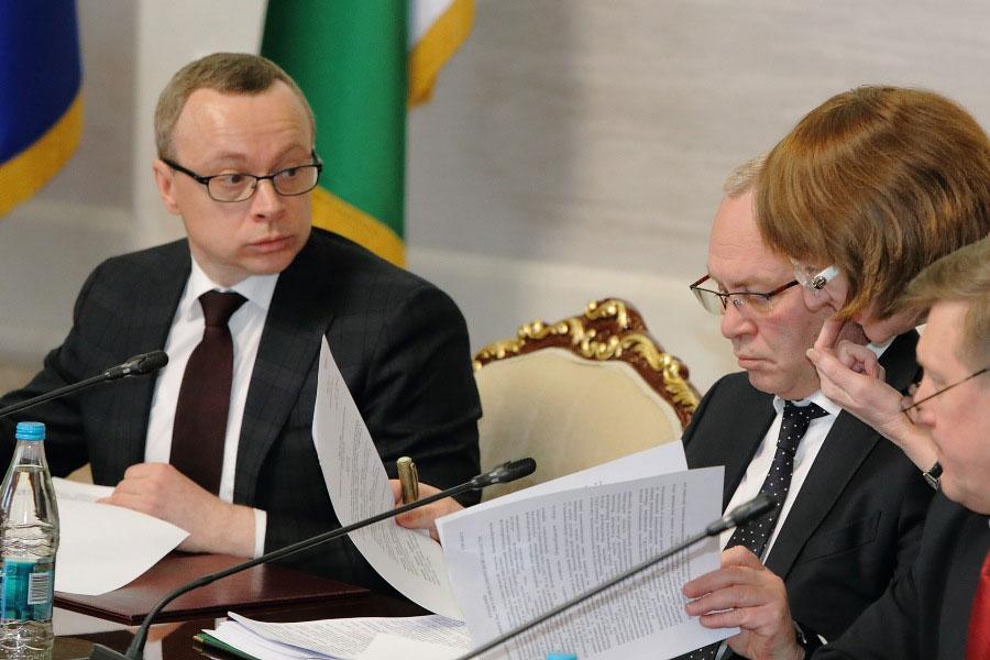 Полномочия Юрия Петухова и Владимира Знаткова