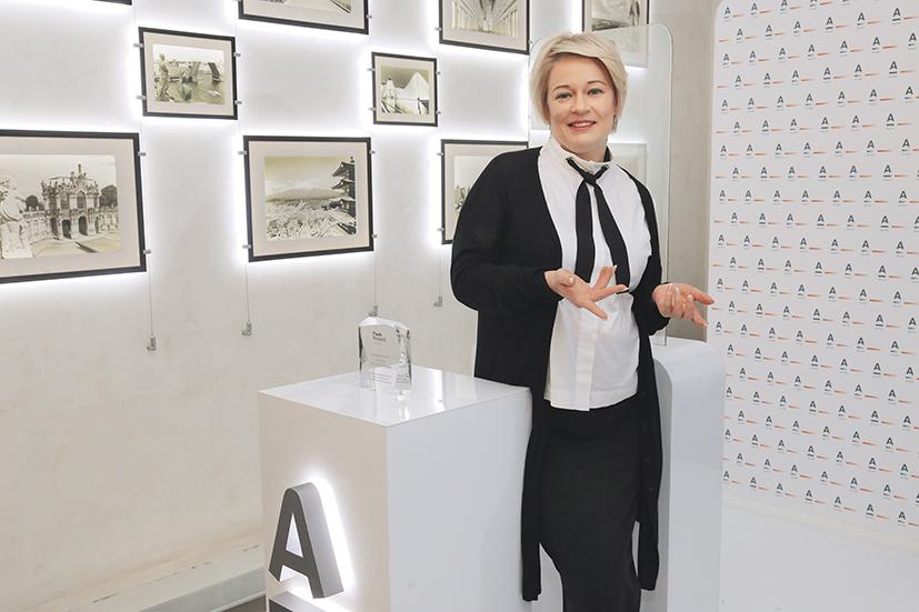 Ольга Кемпель, ранее руководившая новосибирским А-Клубом, перешла на работу в центральный офис