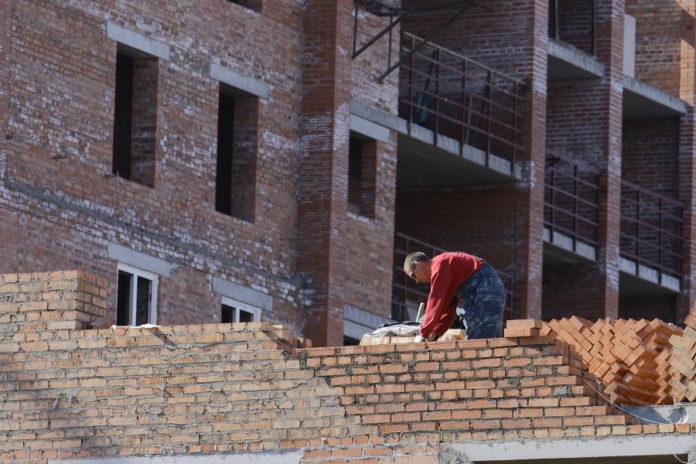 Новосибирскую строительную компанию «УНИКОН» в очередной раз пытаются обанкротить