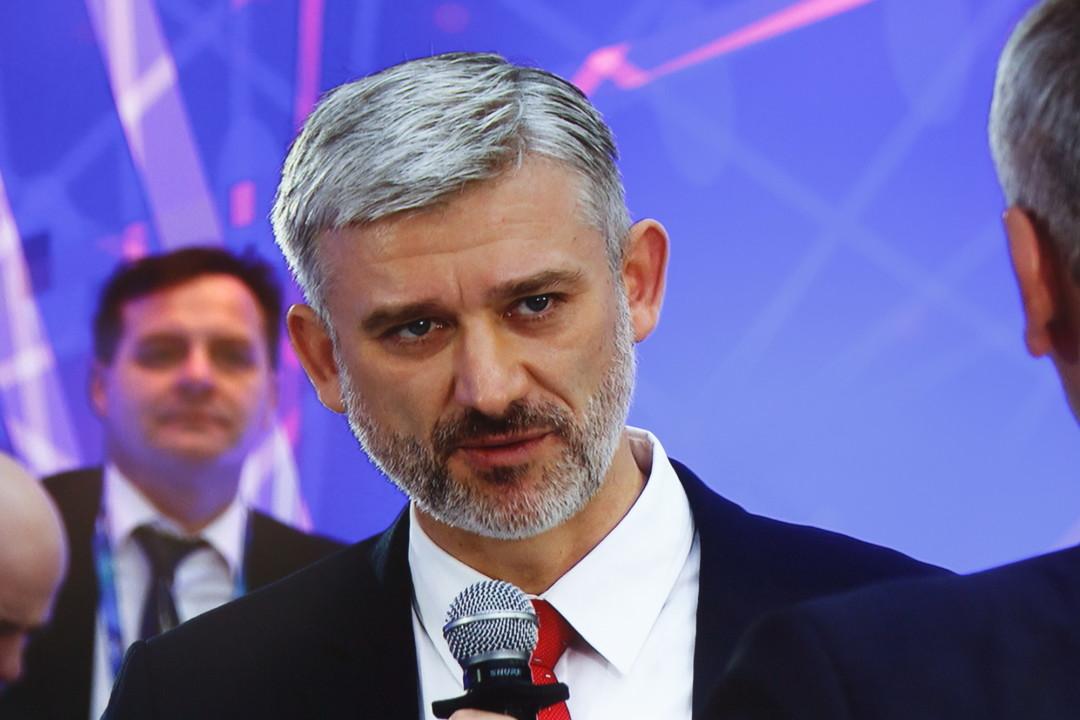 Евгений Дитрих назвал Толмачево наиболее развивающимся авиаузлом федерального значения