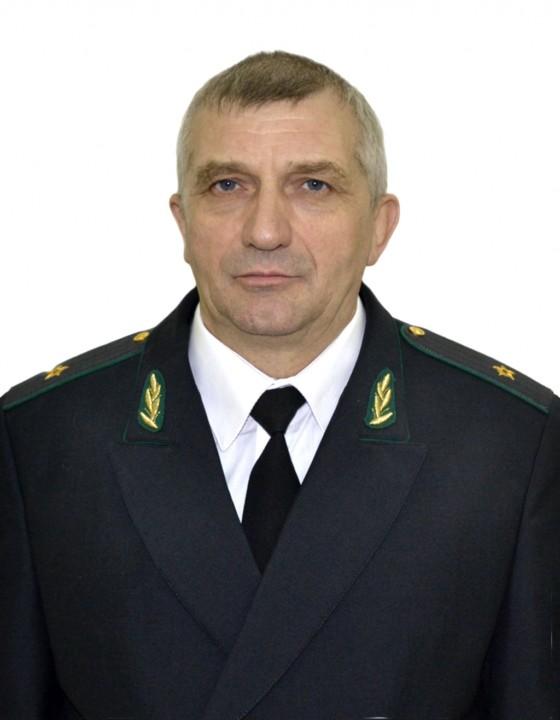 Главный судебный пристав Омской области принял взятку на рабочем месте