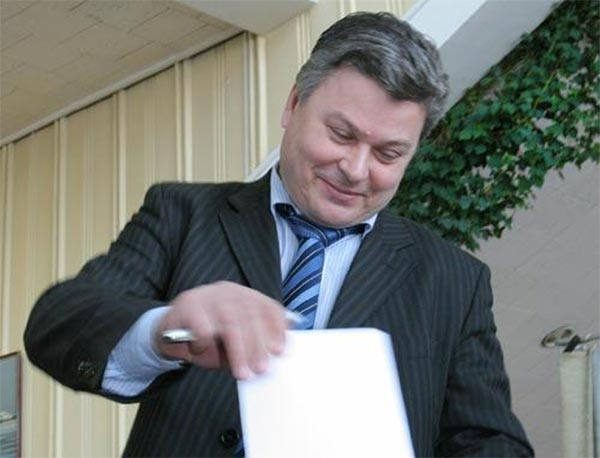 Станет ли Виктор Старков директором театра «Глобус»?