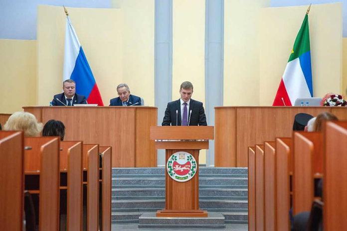 Валентин Коновалов выбрал три кандидатуры на посты в правительство Хакасии