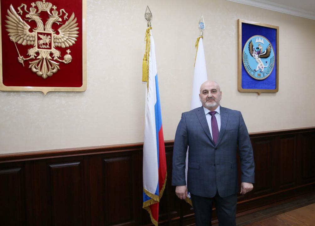 В республике Алтай назначен новый министр здравоохранения