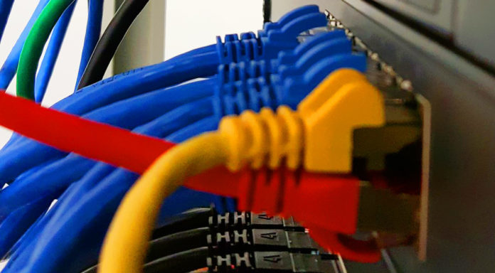 компания сферы мобильной и веб-разработки/SEO-продвижения/SMM