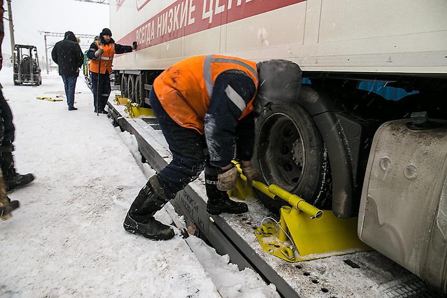 На Западно-Сибирской железной дороге стартовали контрейлерные перевозки