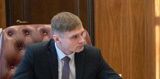 Валентин Коновалов хочет сделать «прозрачной» систему премирования чиновников