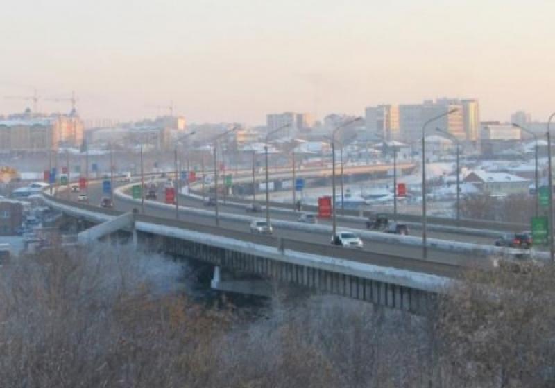 Состояние Фрунзенского моста в Омске проверят за 1 млн рублей