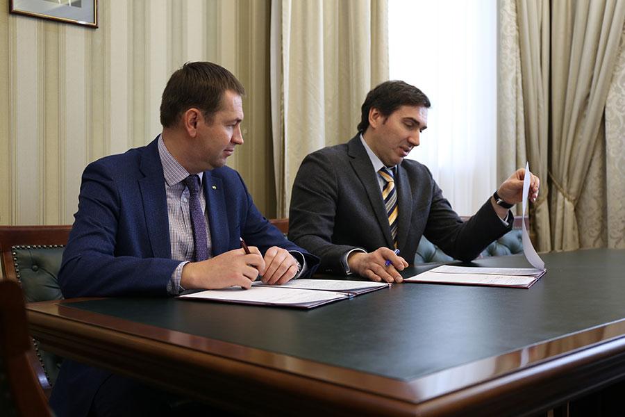 Сбербанк и минздрав Новосибирской области подписали соглашение о сотрудничестве