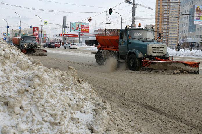 Власти Новосибирска нашли альтернативу песко-соляной смеси