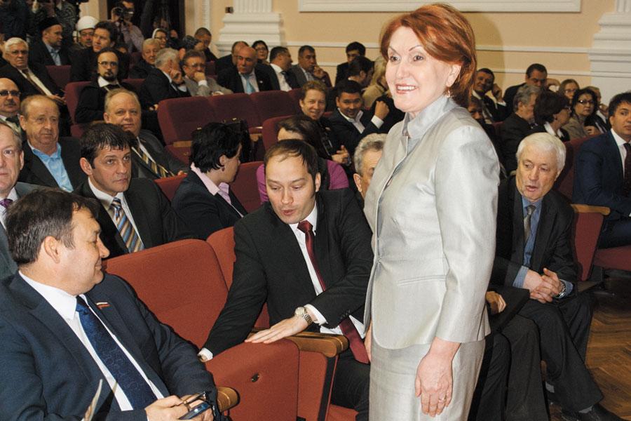 Болтенко против Есиповой за пост детского омбудсмена Новосибирской области
