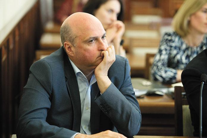 Миниатюра для: Кто в Новосибирске давит на газ?