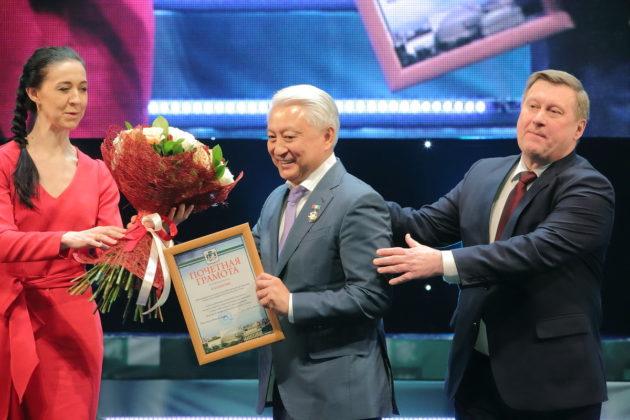 Как праздновали тридцатилетие клуба «Успех» Вениамина Пака в Новосибирске