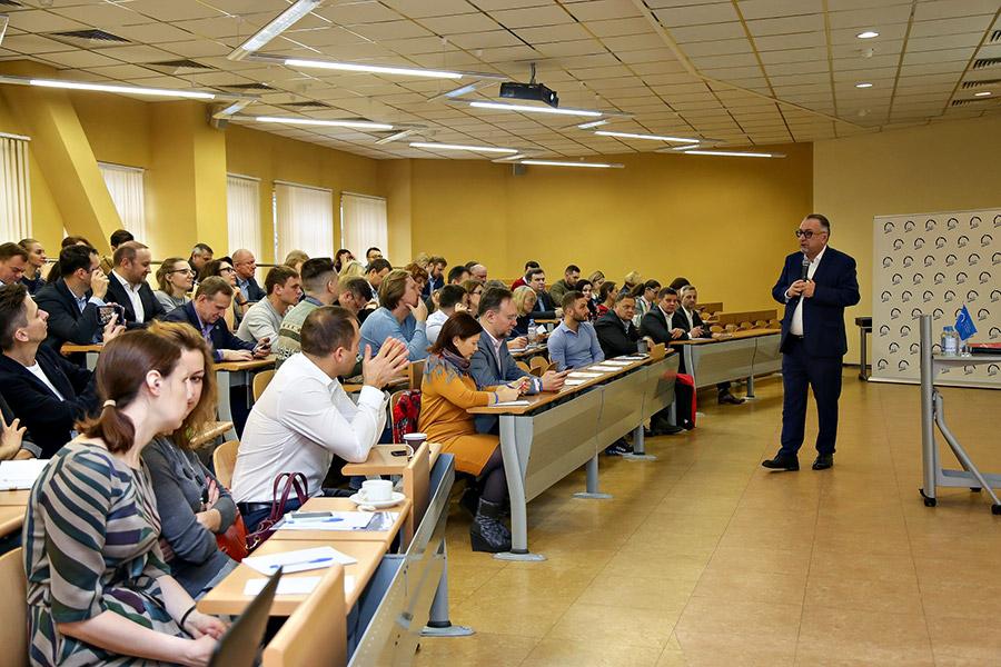 Школа бизнеса МИРБИС делится опытом
