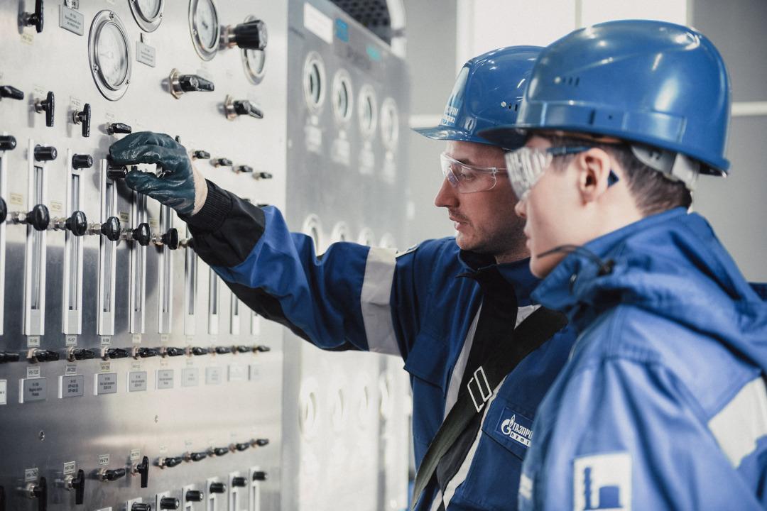 Омский нефтеперерабатывающий завод инвестирует 9,7 млрд рублей в модернизацию производства