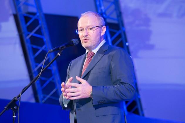 «Новапорт» Романа Троценко и «Аэропорты регионов» Виктора Вексельберга готовы инвестировать 10,7 млрд рублей в омский аэропорт