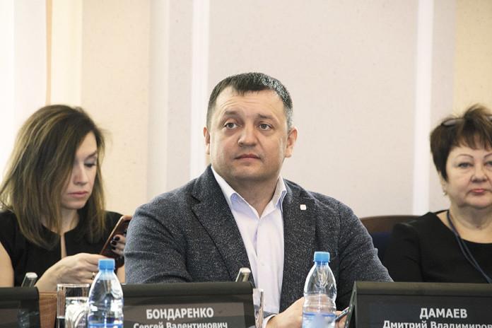 Миниатюра для: Кому достанется «зелень»: депутат Дмитрий Дамаев — о ситуации с участком на саде Кирова в Новосибирске