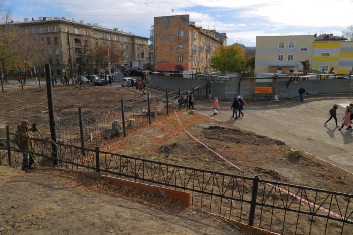 Миниатюра для: Суд запретил проводить строительные работы на участке около лицея №22 «Надежда Сибири»