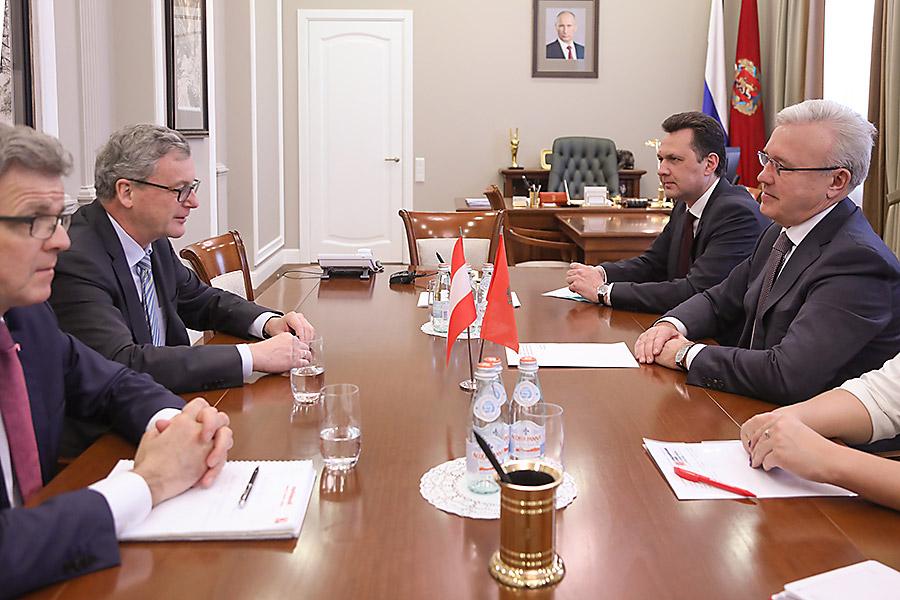 Губернатор Красноярского края обсудил с австрийским послом расширение торгово-экономических связей