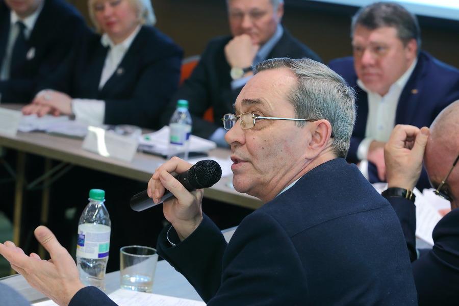 Заместитель председателя комитета по строительству, жилищно-коммунальному комплексу и тарифам Заксобрания Новосибирской области Вадим Агеенко