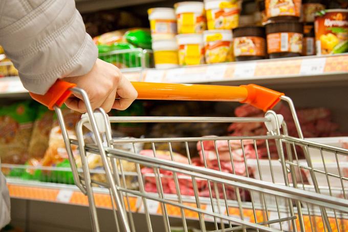 Миниатюра для: Продукты все еще дорожают быстрее прочих товаров – итоги инфляции за апрель