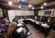 Политики и журналисты обсудили программу, с которой Локоть шел на выборы