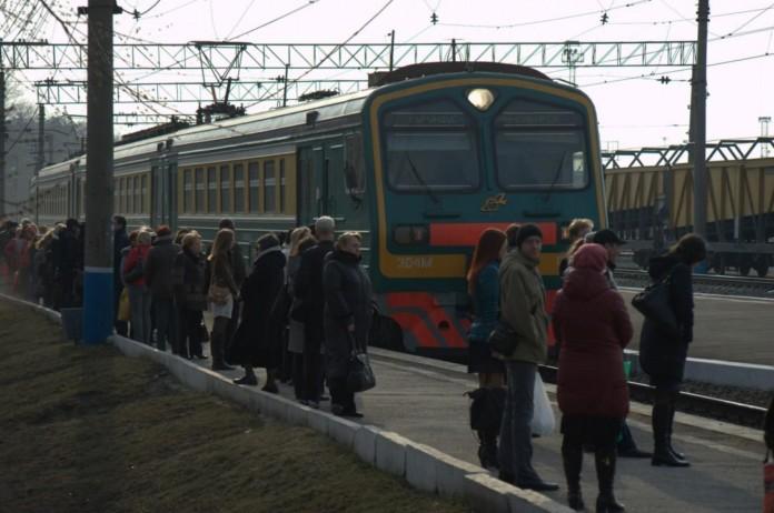 Миниатюра для: Перевозки пассажиров на ЗСЖД выросли на 3% за первые три месяца 2019 года
