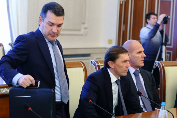 Миниатюра для: Депутаты Государственной думы РФ опубликовали сведения о своих доходах за 2018 год
