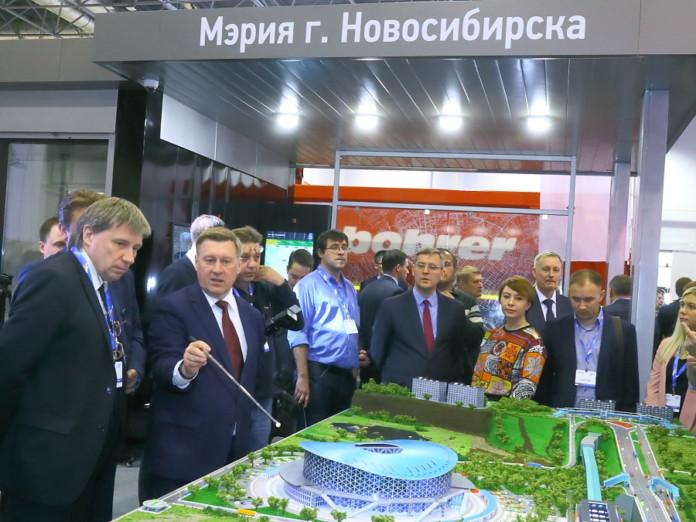 Миниатюра для: Мэр Локоть рассказал об объектах инфраструктуры новой ледовой арены