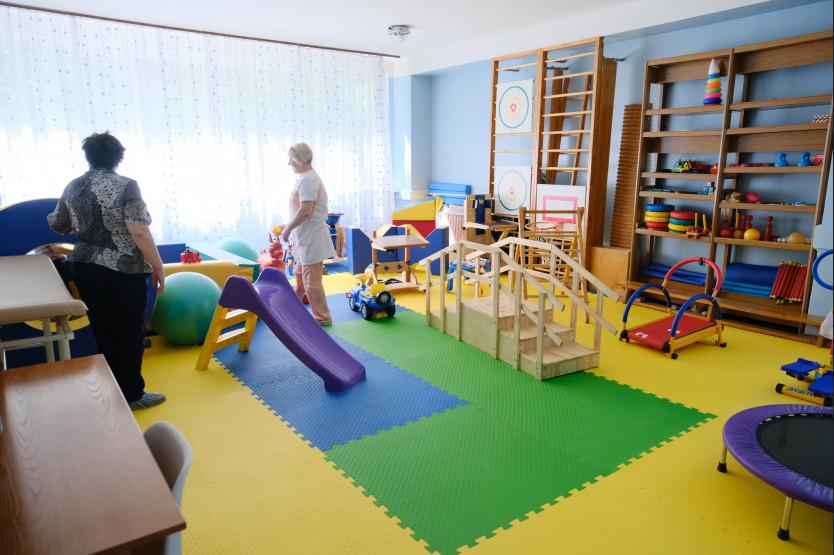 Губернатор Андрей Травников посетил новое медицинское отделение для детей