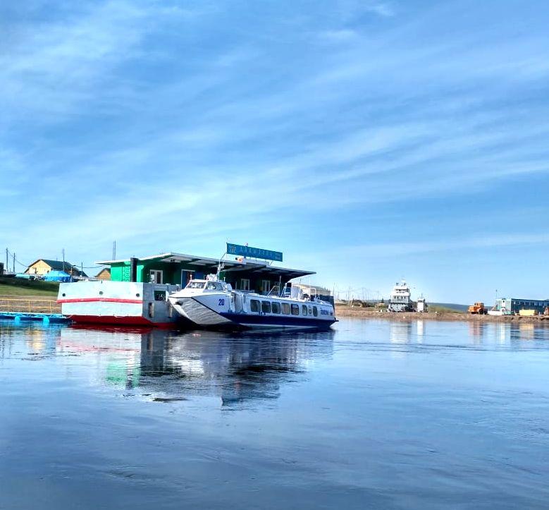 Правительство Иркутской области субсидирует новый пассажирский маршрут на реке Лене