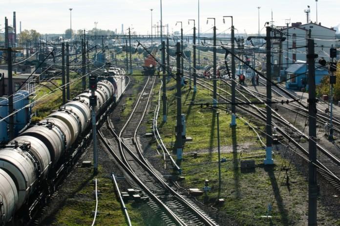 Миниатюра для: Компания «РЖД» отсудила у новосибирского бизнесмена 2 млн за десятилетний простой вагонов
