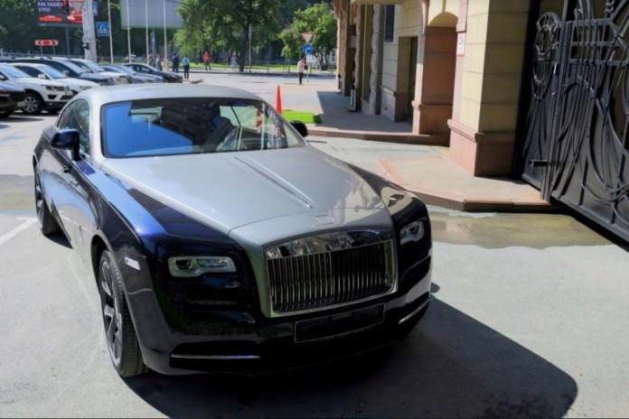 Миниатюра для: В 1 квартале 2019 года в Сибири продано два новых автомобиля Rolls-Royce