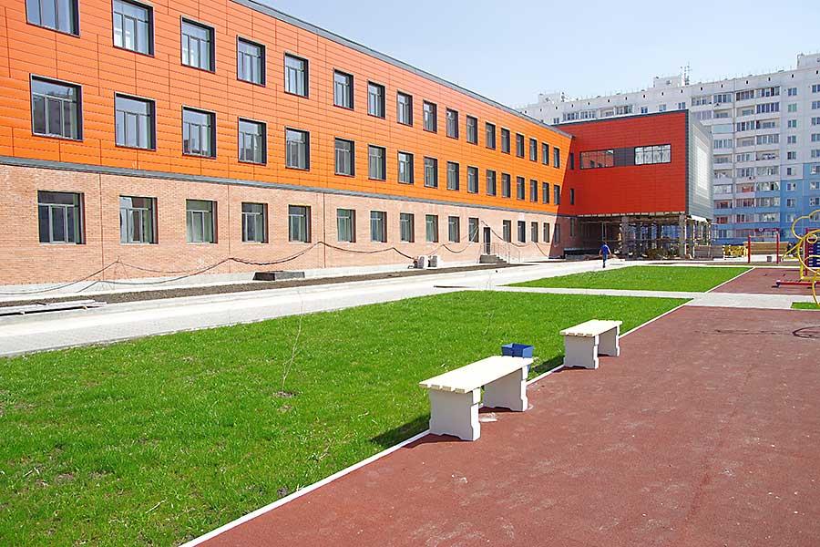 Локоть и Травников проинспектировали строительство новых школ