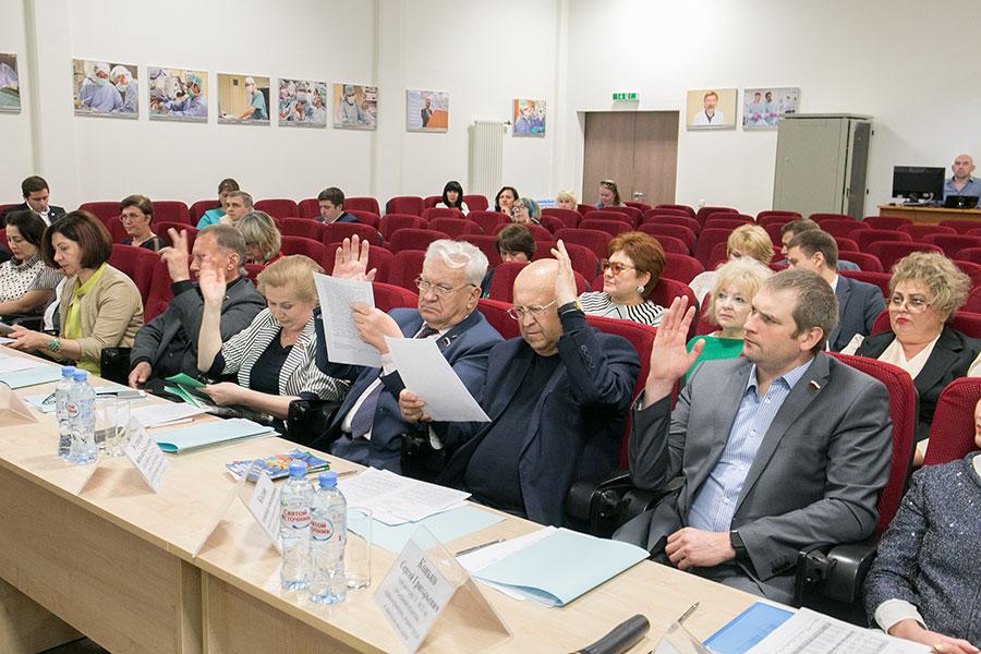 Новосибирские депутаты начали сотрудничество с центром нейрохирургии - Изображение