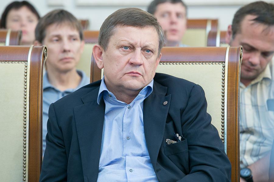 Суд оставил экс-директора клиники Мешалкина Александра Караськова под арестом