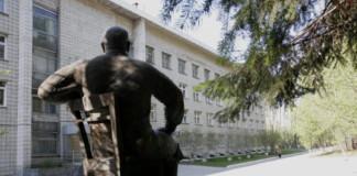 Мартыненков, Верховод и Ганзя вступились за руководство клиники Мешалкина