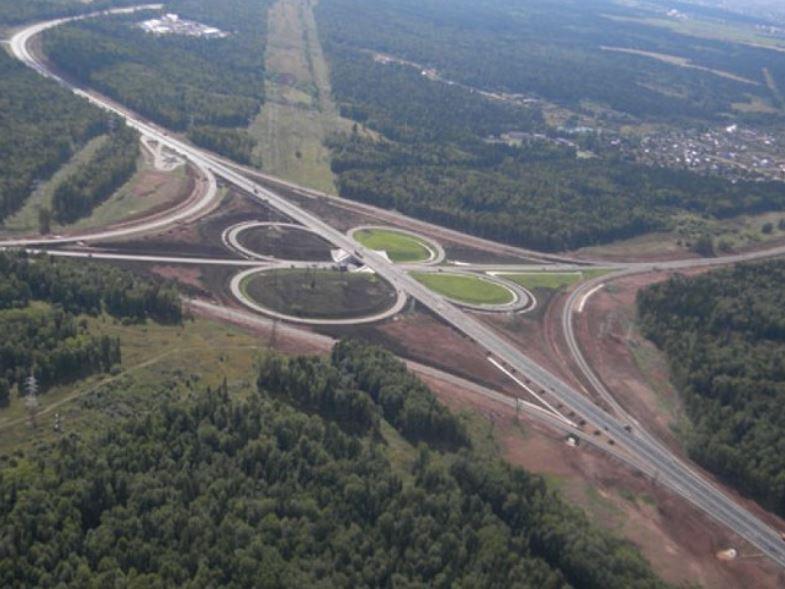 «Сибмост» при строительстве Восточного обхода Новосибирска приступил к надвижке моста через реку Иня