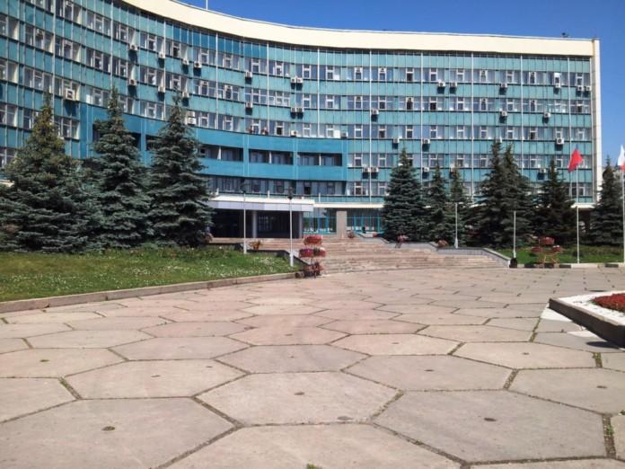 Чиновники Новокузнецка подозреваются в мошенничестве, связанном с переселением людей из аварийного жилья