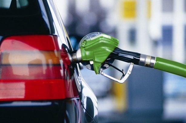 С начала года литр бензина в Сибирском федеральном округе подорожал на 76 копеек