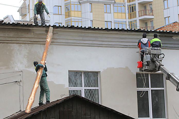 Почти половина бюджета Новосибирска заморожена в объектах незавершенного строительства на территории региона