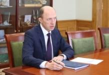 Олег Хорохордин сдал подписи в избирком для участия в выборах главы республики Алтай