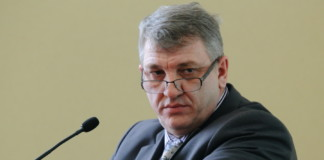 Бывшего замначальника департамента ЖКХ мэрии Новосибирска Сергея Елисеева приговорили к года за хищение бюджетных средств