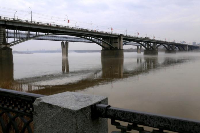 Миниатюра для: СГК: Теплопровод под Коммунальным мостом в Новосибирске нуждается в капремонте